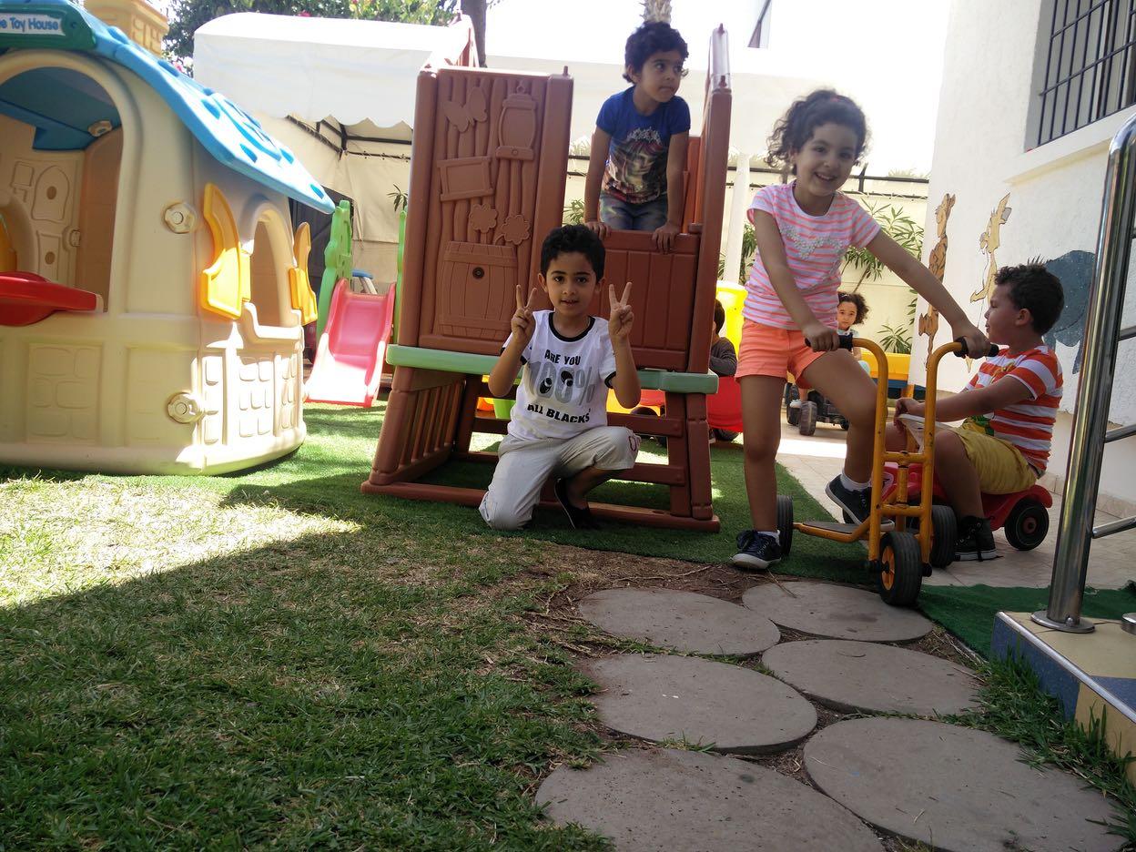 Le jardin cr che maternelle les dauphins harhoura for Le jardin voyageur maternelle